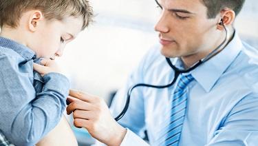 Mi hijo tiene dolor en el pecho!¿Debería preocuparme por su corazón?